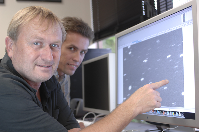 [Richard Wainscoat (left) and Marco Micheli. Image credit: Karen Teramura, University of Hawaii Institute for Astronomy. From http://www.ifa.hawaii.edu/info/press-releases/19asteroids/]